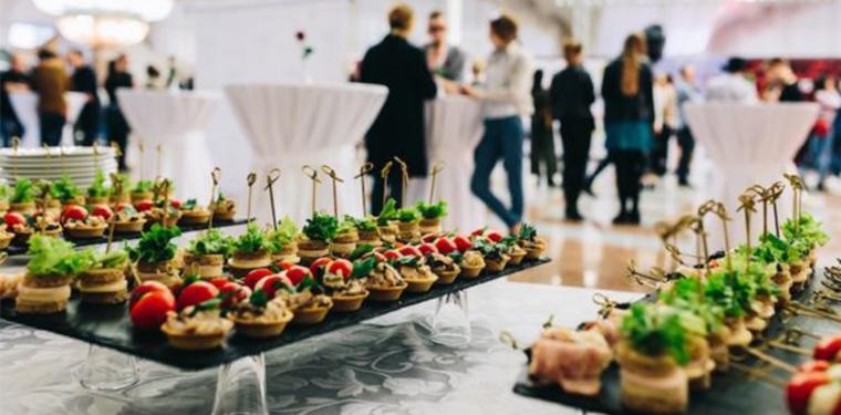 I 4 consigli che dovresti conoscere prima di ingaggiare un servizio catering